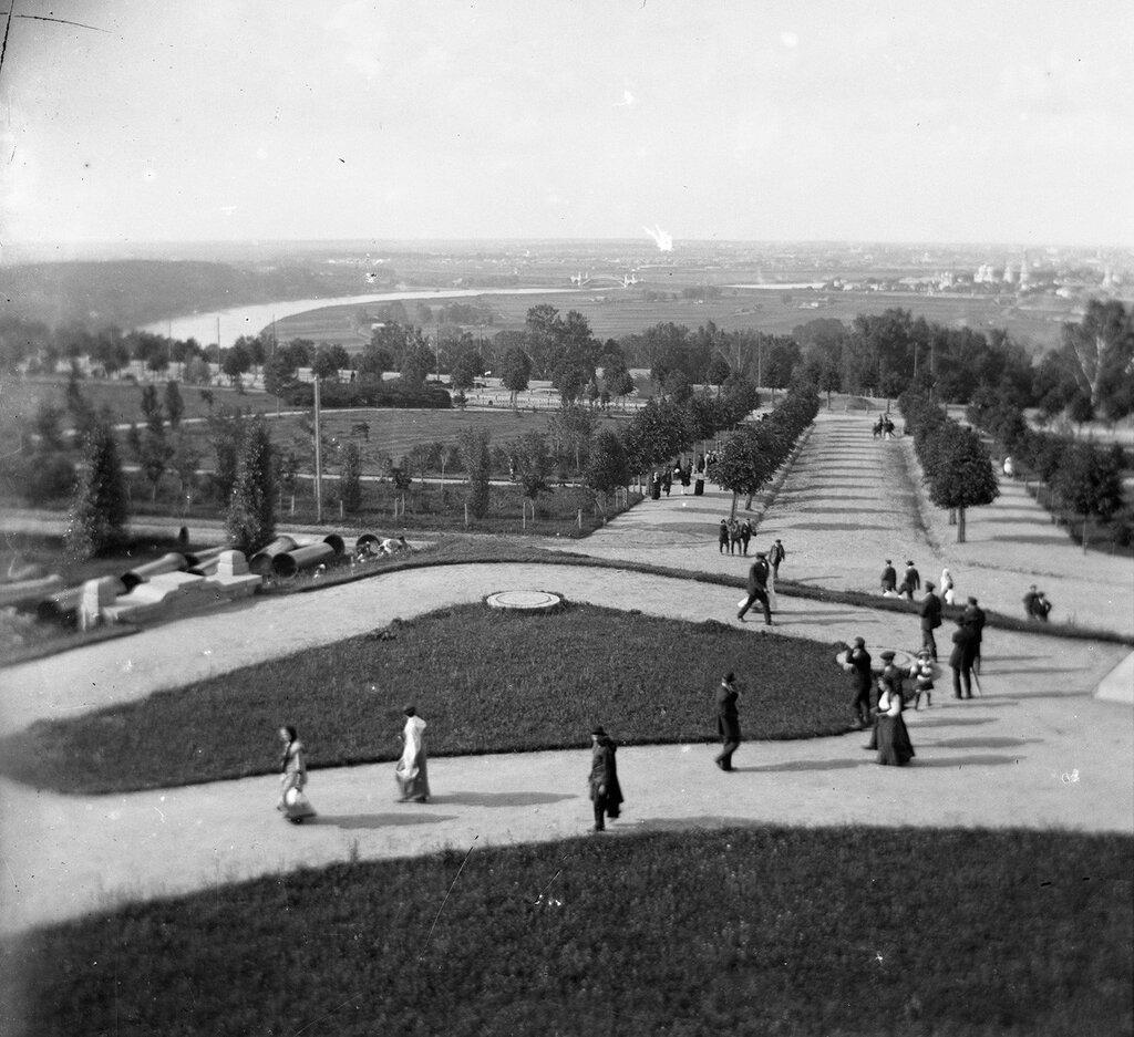 37483 Вид с Воробьёвых гор 1910-е.jpg