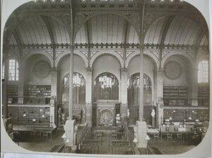 1917. Внутри библиотеки Пантеона