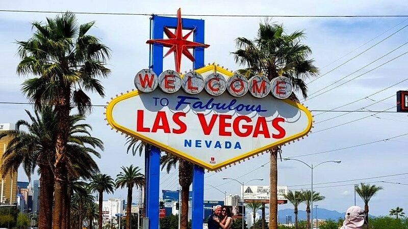 Знаменитый знак на въезде в Лас-Вегас