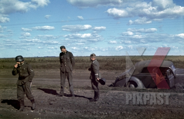stock-photo-german-soldiers-taking-smoking-break-beside-staff-car-meissen-division--94inf-div-swords-lutsk-ukraine-1941-12121.jpg