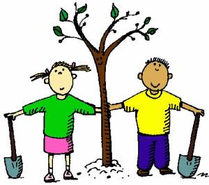 14 мая Всероссийский день посадки леса. Мальчик и девочка у посаженного дерева