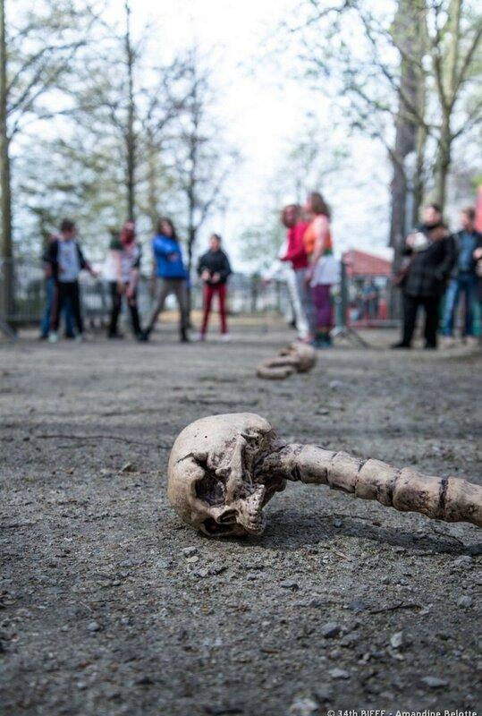 Окровавленные зомби в Брюсселе на фестивале фантастики 0 160799 8c6bf41b XL