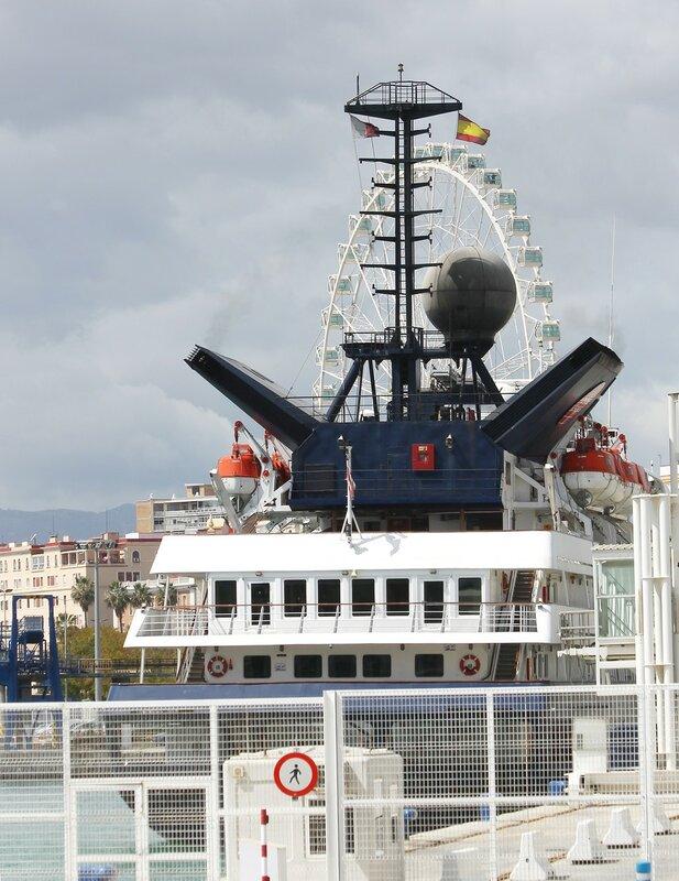 Круизное судно Corinthian (Коринфянин) в Малаге
