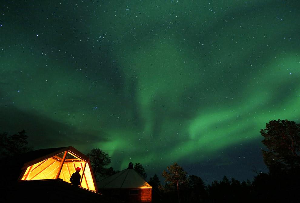 15. Северное сияние около городка Mestervik, 2 октября 2014.