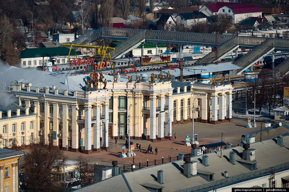 Железнодорожный вокзал Воронежа.