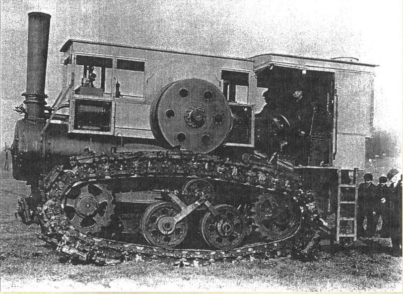 Трактор Хорнсби, на Юконе пришлось пристроить кабину, защищавшую ответственные детали паровой машины и экипаж от жутких морозов..jpg