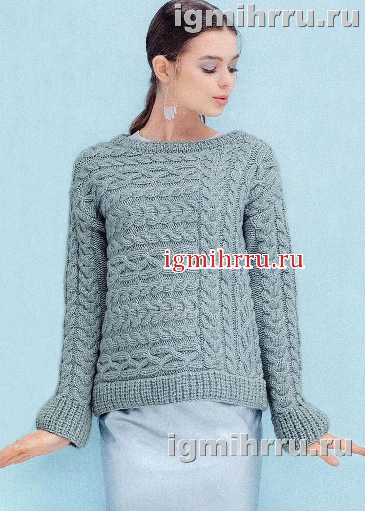 Голубой пуловер с фантазийными косами. Вязание спицами