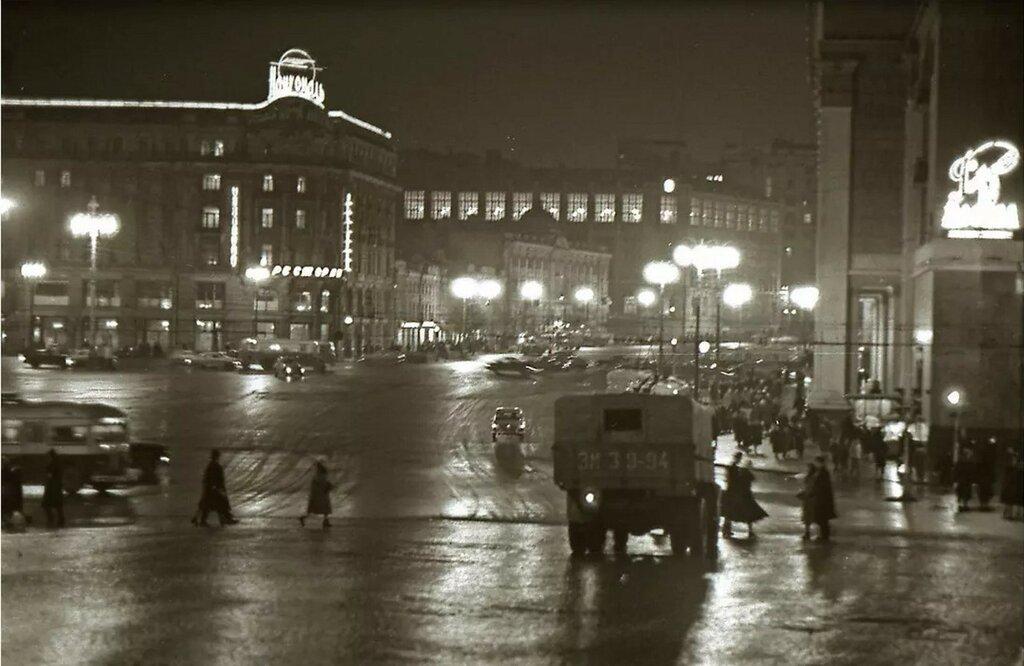 1963. Манежная площадь.jpg