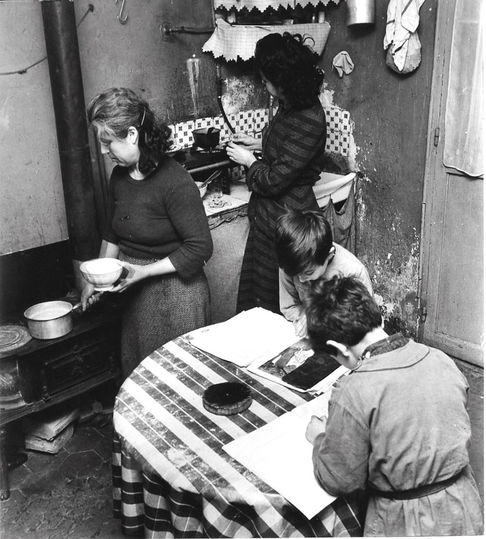 1950-е. Семья бедняков. Париж