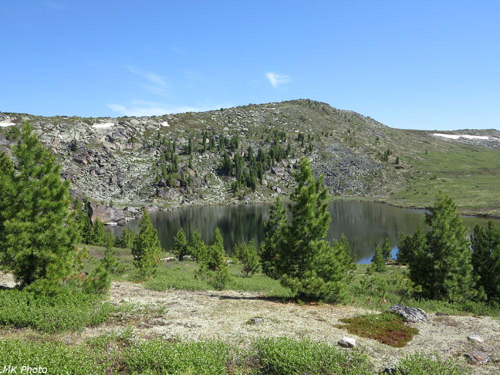 Озеро в истоке притока Среднего Солбаха
