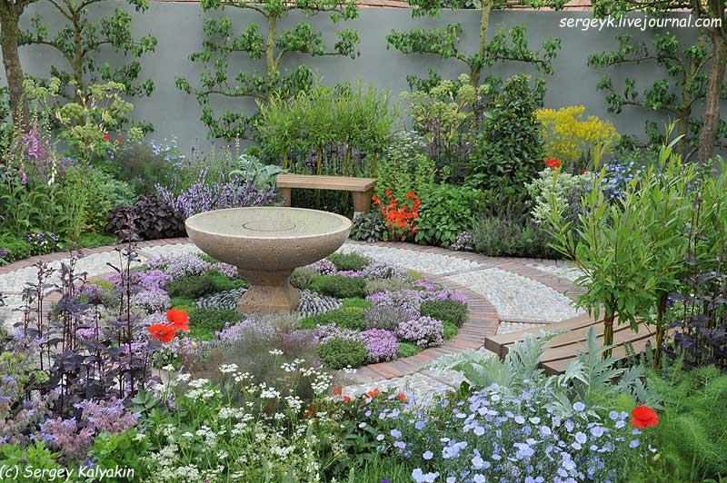 A modern Apothecary Garden (12).jpg