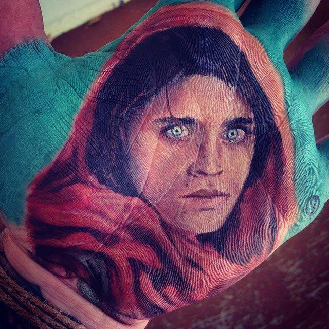 7. Афганская девушка