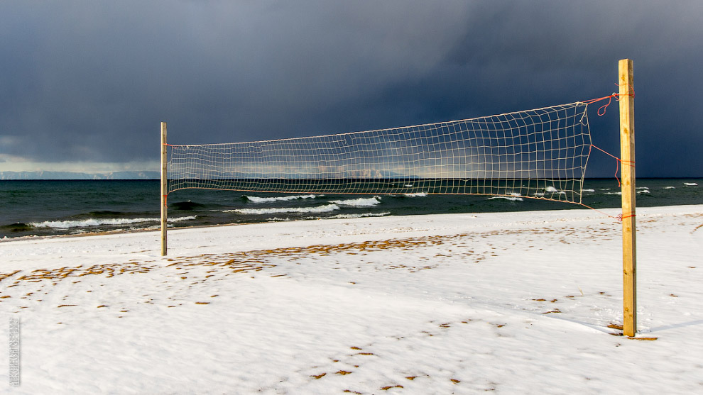 10. Третья декада ноября. Пирс Гремячинска уходит в спячку, сковывается льдом.