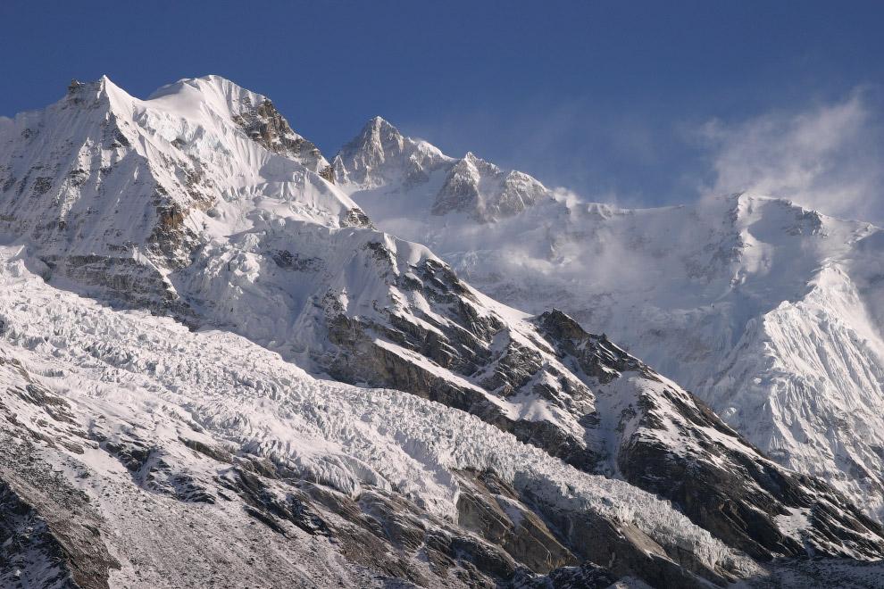 № 2. К2 или Чогори (Каракорум) — 8614 метров К2 — вторая из самых высоких вершин в мире. Чогори