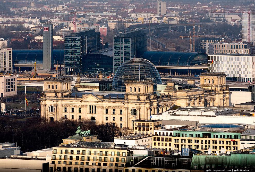 6. Один из главных символов Берлина — Бранденбургские ворота. Шестиметровая повозка-квадрига ув