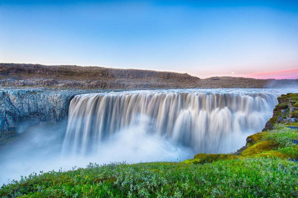 © Filip Fuxa/Shutterstock  Природа вИсландии довольно сурова, так что местные жители повозмо