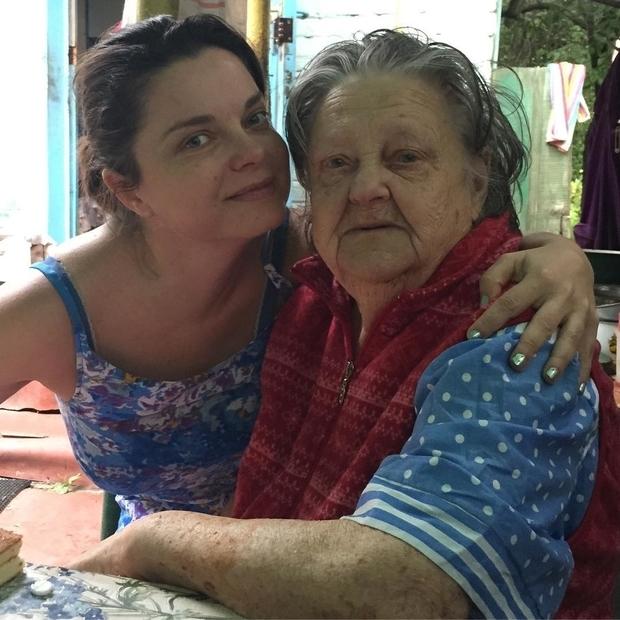 Наташа Королева расплакалась напохоронах бабушки