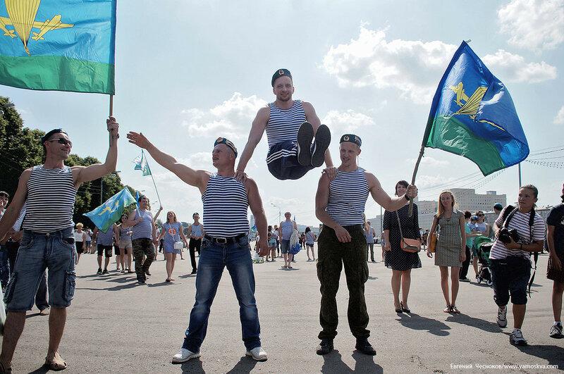 Лето. Парк Горького. ВДВ. 02.08.16.10..jpg
