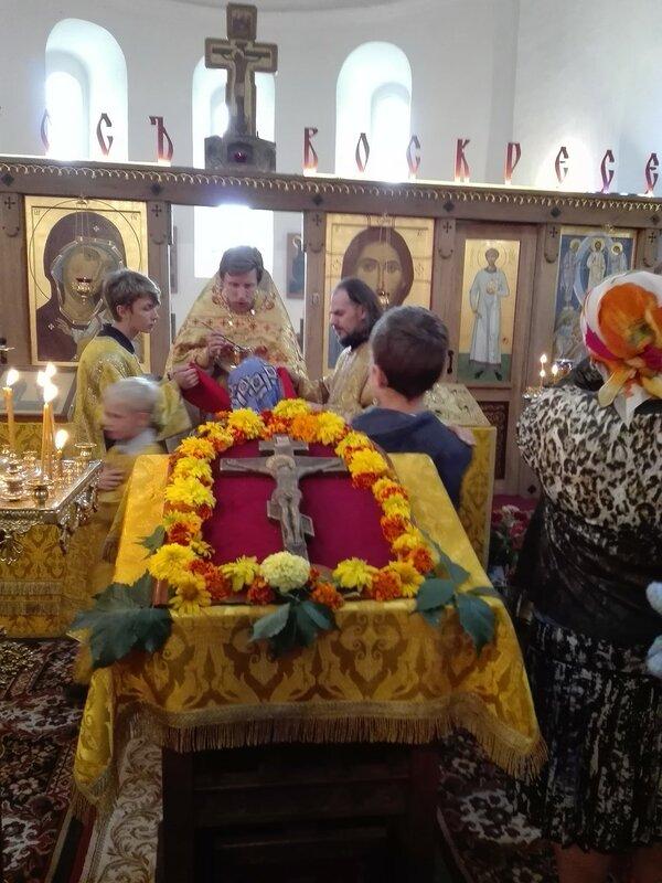 Праздник Происхождение (изнесение) Честных Древ Животворящего Креста Господня в Острове