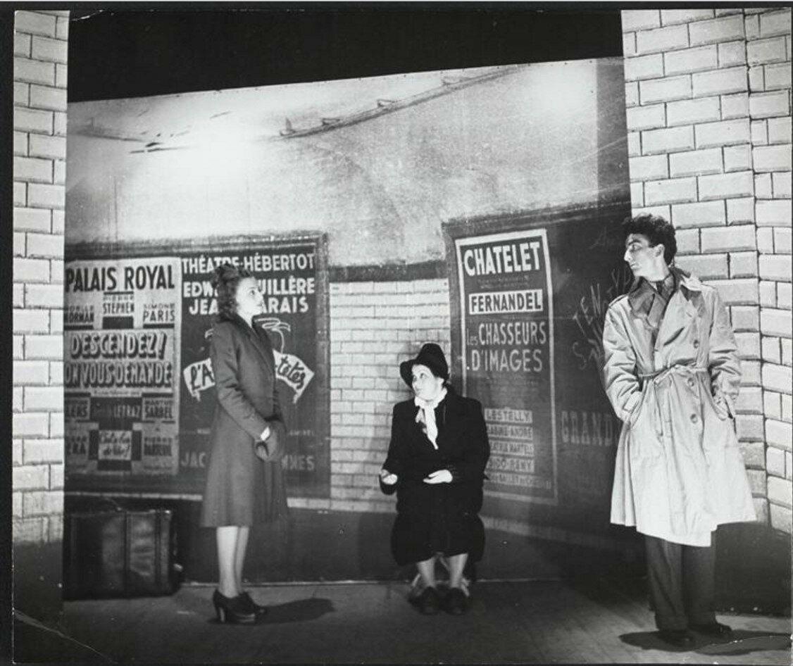 1949. Декорации для спектакля Раймона Кено «Кстати» в театре Агнес Карпи