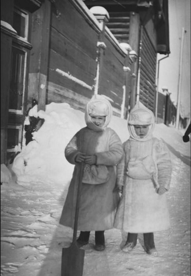 Дочери Бьёрна Аминова. Томск. 1911