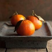 Три мандарина