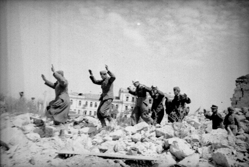 освобождение Севастополя, пленные немцы