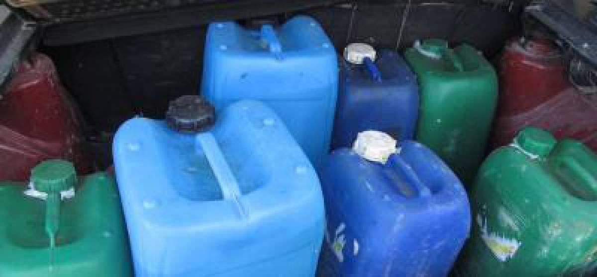 Госпогранслужба остановила контрабанду соляной кислоты. ВИДЕО