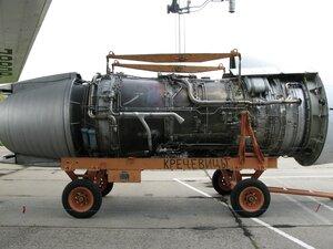День воздушного флота на аэродроме в Кречевицах - двигатель самолёта ИЛ-76МД