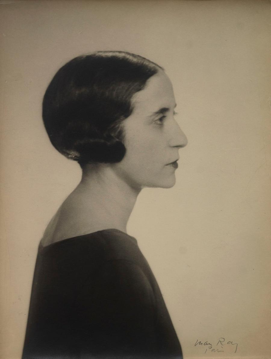 12. Портрет Валентины Гюго, 1947 год. Фотограф Ман Рэй.