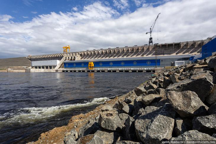 2. Богучанская ГЭС замыкает Ангарский каскад гидроэлектростанций. БоГЭС входит в список крупнейших Г