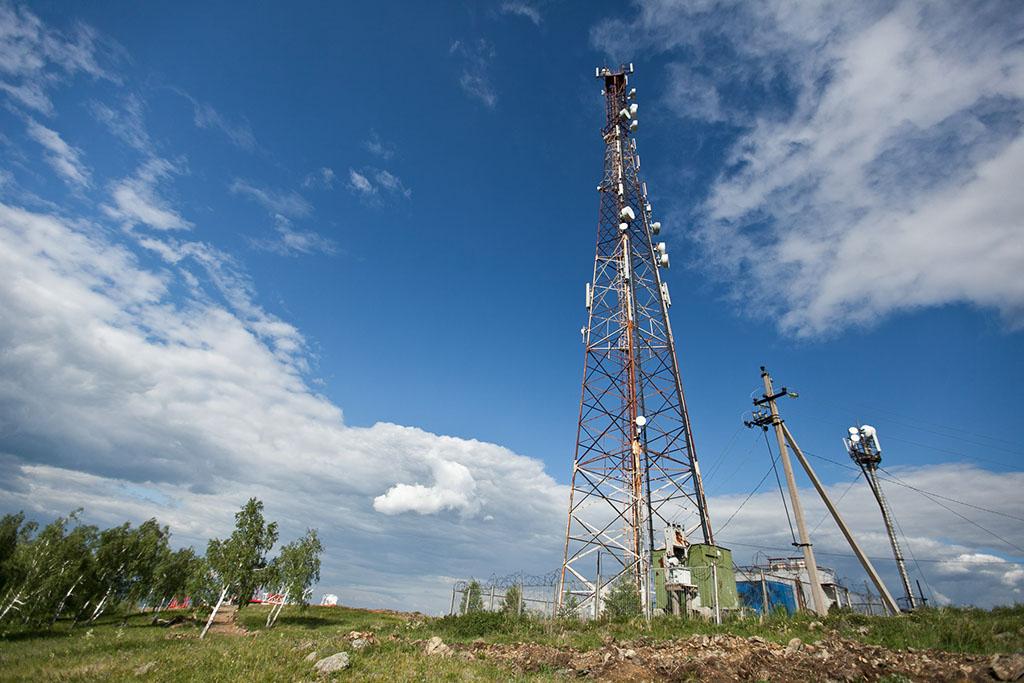 Нашей целью была башня сотовой станции МегаФон, которая обеспечивает покрытие и качественную связь н