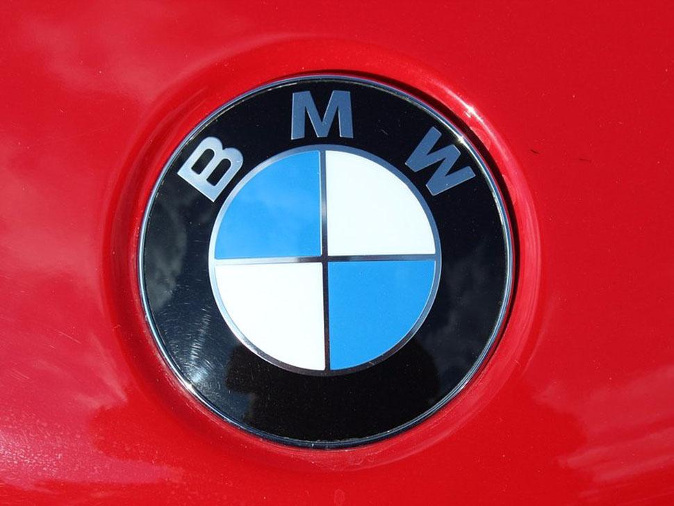 Немецкий автопроизводитель был основан в 1917 году на базе компании, выпускающей самолеты. BMW заста