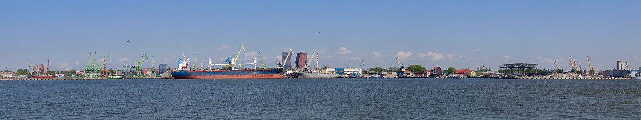 Панорама порта Клайпеда