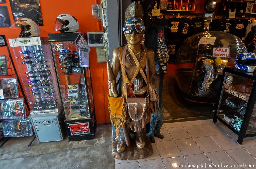 Мастерская тайских байкеров