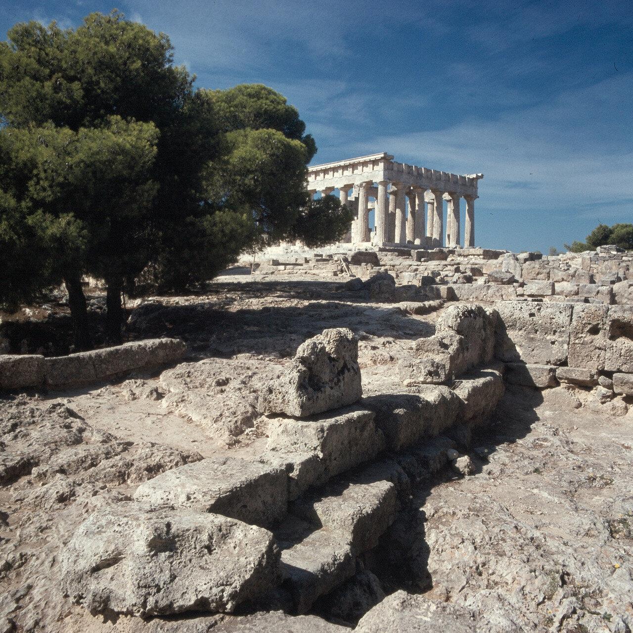 Эгина. Храм Афайи. Вид с юго-востока, от Пропилеев