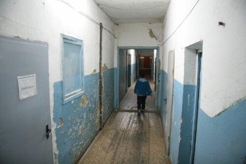 Коридор общежития по Текстильщиков, 14 не видел ремонта несколько десятилетий
