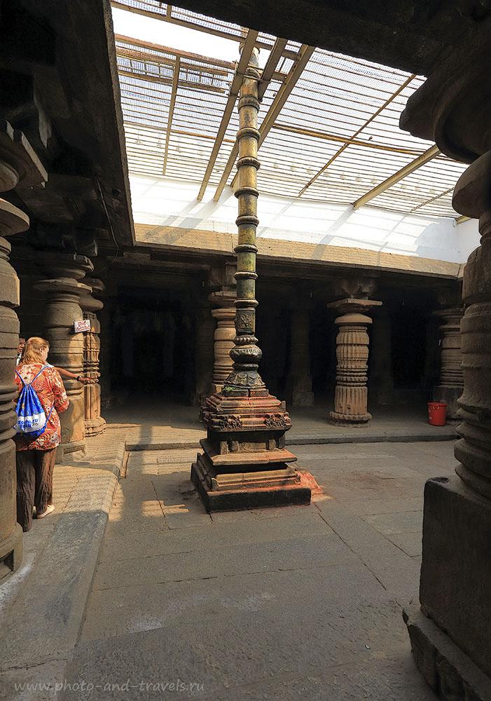 Фотография 6. Древние колонны в храме Шрирангапатнам. Отзывы туристов о поездке на экскурсию в Карнатаку. Путешествие по Индии. 1/40, -1 EV, 13.0, 400, 17