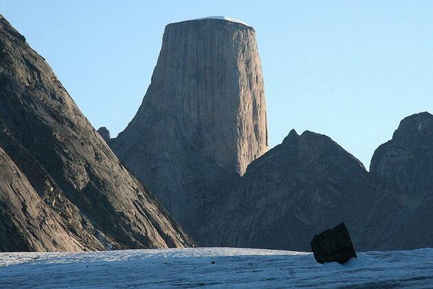 Гора Асгард. Баффинова Земля, Канада