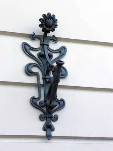 флагшток на стене Витебского вокзала