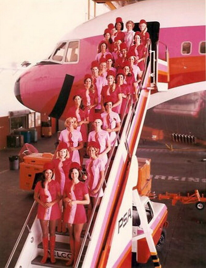 vintage_flight_attendants_psa_airlines.jpg