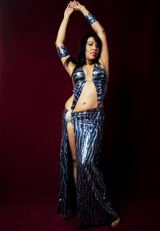 Танцовщица под юбкой 1 фотография