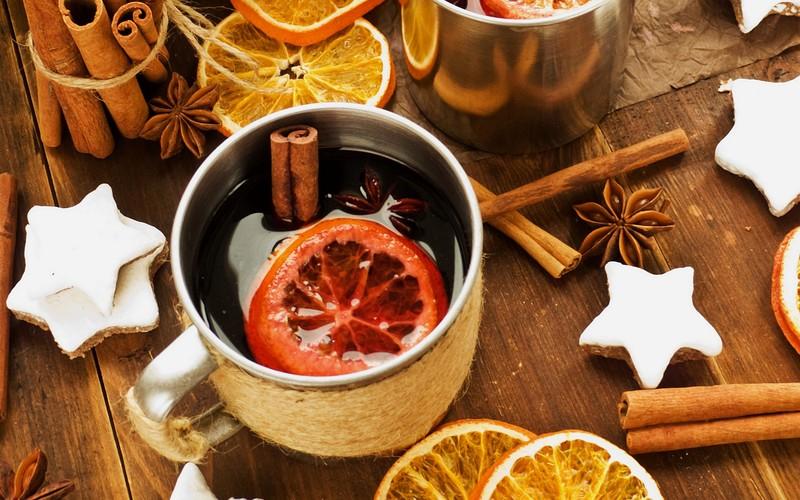 3. Безалкогольный глинтвейн Самый известный и популярный горячий напиток с легкостью можно приготови