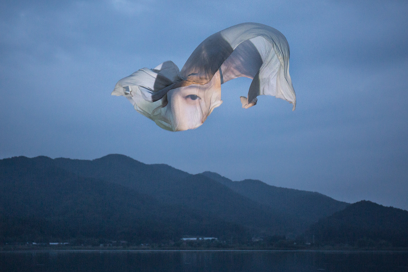 Poetic Floating Faces by Wonjun Jeong