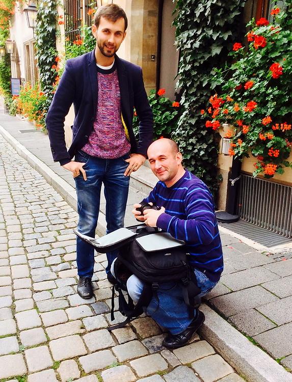 Фото 5. Снято на iPad во время поездки по Германии. Вы видите, как неудобно приходится менять объективы в путешествии при использовании рюкзака для фотоаппарата.