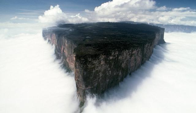 Плато Рорайма і найбільший водоспад Анхель
