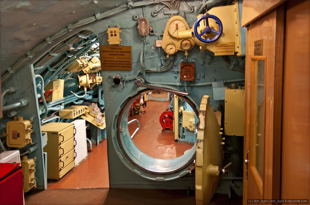 улице царит клинкеты на подводной лодке фото супруги нежно поздравили