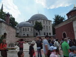 Различные достопримечательности на территории Софийского собора.