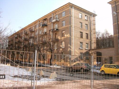 Лисичанская ул. 14
