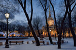 В Александровском саду.